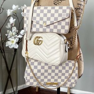 Louis Vuitton Favorite MM azur crossbody